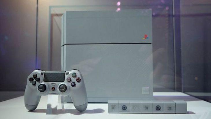 Shitet një konsole PS4 20-vjecare për 130.000$