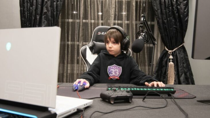 8 vjeçari bëhet lojtari profesionist i Fortnite më i ri në botë