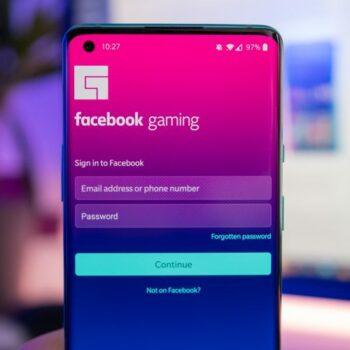 Facebook Cloud Gaming debuton në iOS